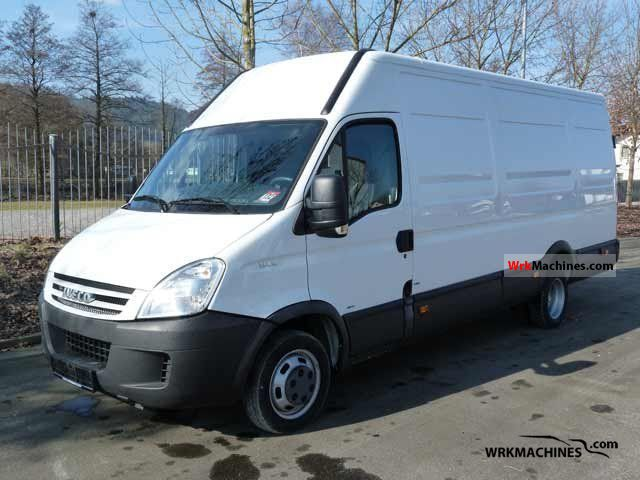 2008 IVECO Daily III 35C12 Van or truck up to 7.5t Box-type delivery van - high and long photo