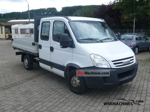 2007 IVECO Daily III 29L12 D Van or truck up to 7.5t Stake body photo
