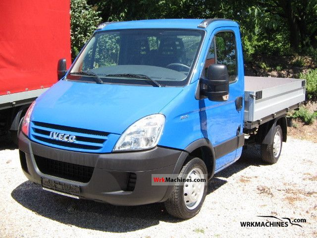 2007 IVECO Daily II 29 L 10 Van or truck up to 7.5t Stake body photo
