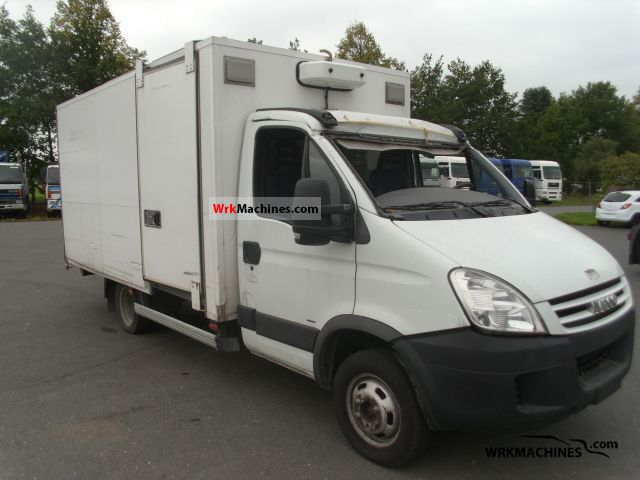 2007 IVECO Daily III 35C10 K Van or truck up to 7.5t Box photo