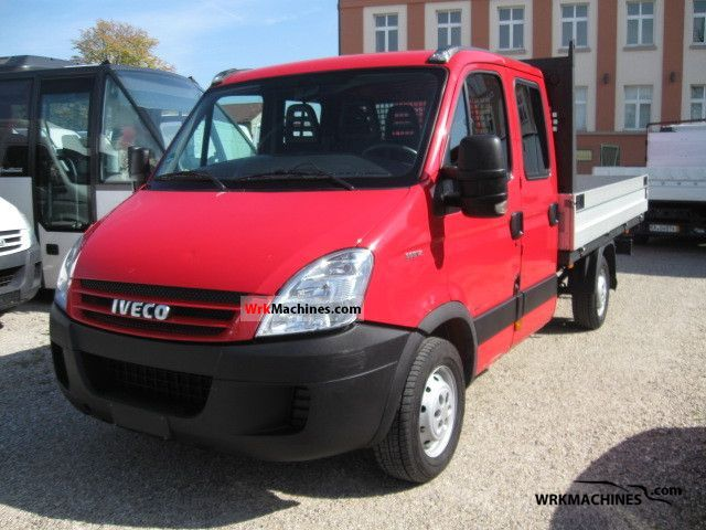 2006 IVECO Daily II 35 S 12 Van or truck up to 7.5t Stake body photo