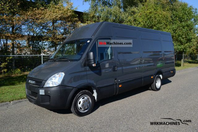 2008 IVECO Daily III 35C15 Van or truck up to 7.5t Box-type delivery van photo
