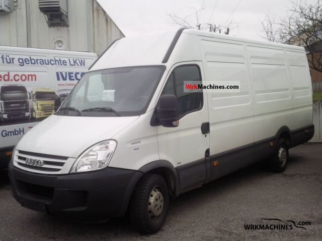 2008 IVECO Daily II 35 S 12 V Van or truck up to 7.5t Box-type delivery van - high and long photo