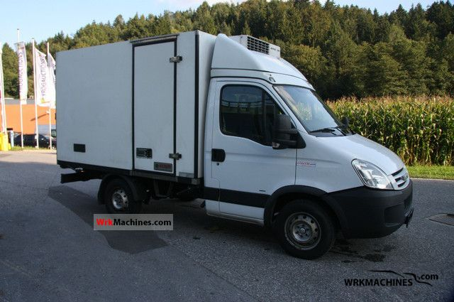 2008 IVECO Daily II 35 S 12 Van or truck up to 7.5t Refrigerator body photo