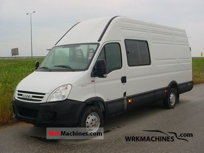 2007 IVECO Daily II 35 S 12 Van or truck up to 7.5t Box photo