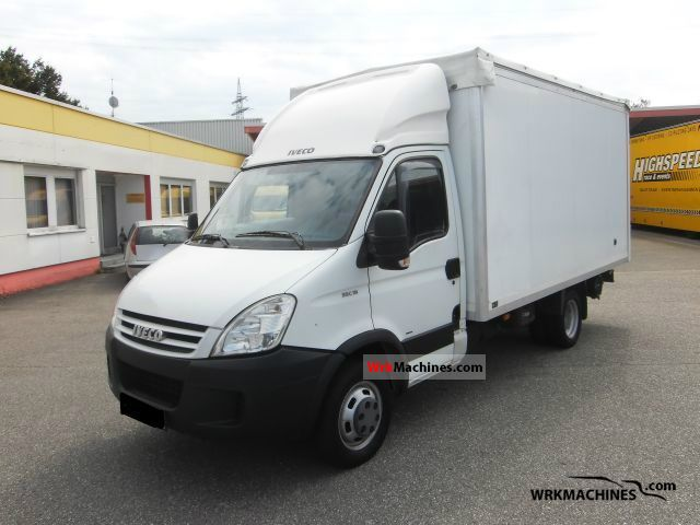 2007 IVECO Daily III 35C18 Van or truck up to 7.5t Box photo