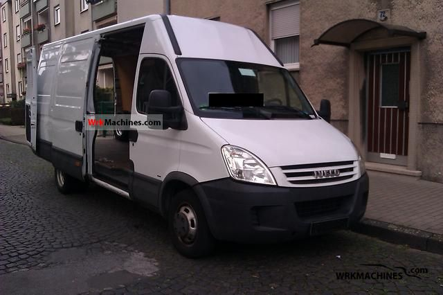 2007 IVECO Daily III 35C15 Van or truck up to 7.5t Box-type delivery van - high and long photo