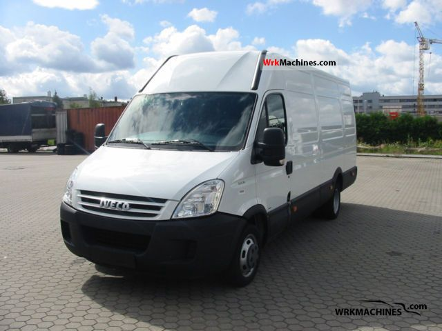 2009 IVECO Daily II 35 C 15 V Van or truck up to 7.5t Box-type delivery van - high photo