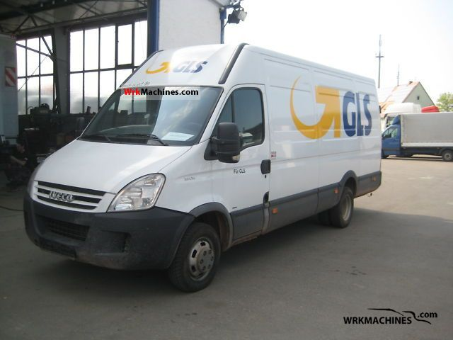 2007 IVECO Daily III 35C18 Van or truck up to 7.5t Box-type delivery van photo