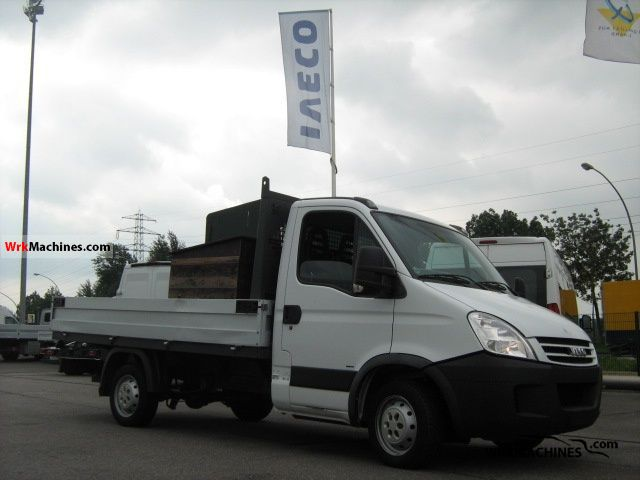 2007 IVECO Daily III 29L12 Van or truck up to 7.5t Stake body photo