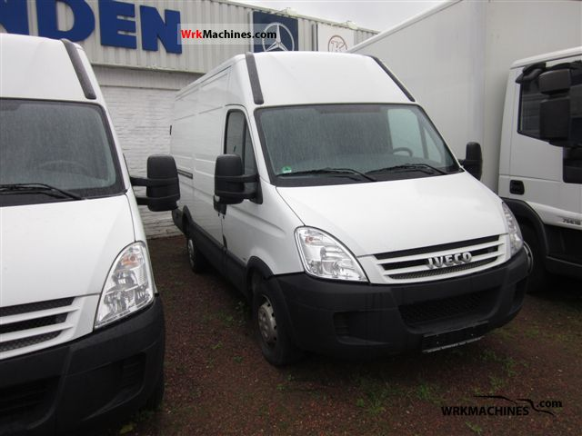 2009 IVECO Daily III 29L12 Van or truck up to 7.5t Box-type delivery van - high photo