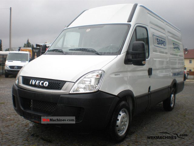 2011 IVECO Daily III 35S14 Van or truck up to 7.5t Box-type delivery van - high and long photo