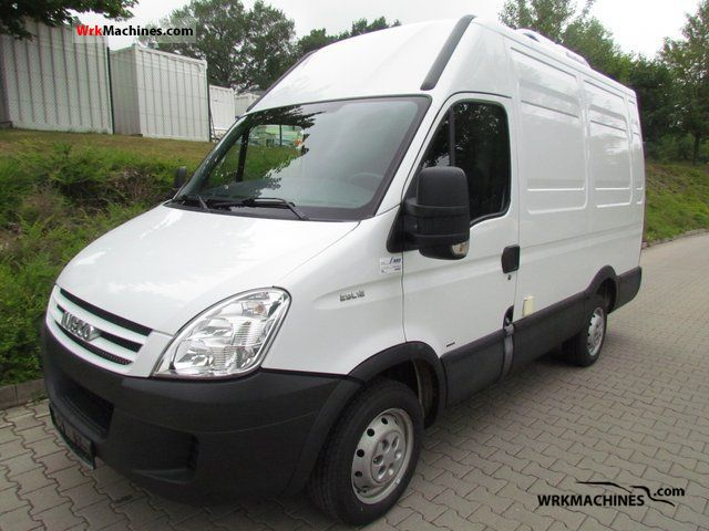 2006 IVECO Daily III 29L12 Van or truck up to 7.5t Refrigerator box photo