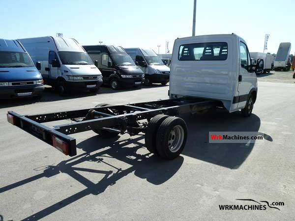 iveco daily iii 35c15 2008 chassis truck photos and info. Black Bedroom Furniture Sets. Home Design Ideas