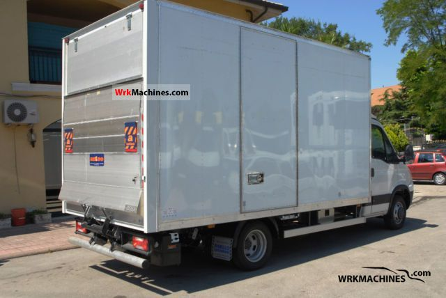 iveco daily iii 35c15 2011 box photos and info. Black Bedroom Furniture Sets. Home Design Ideas