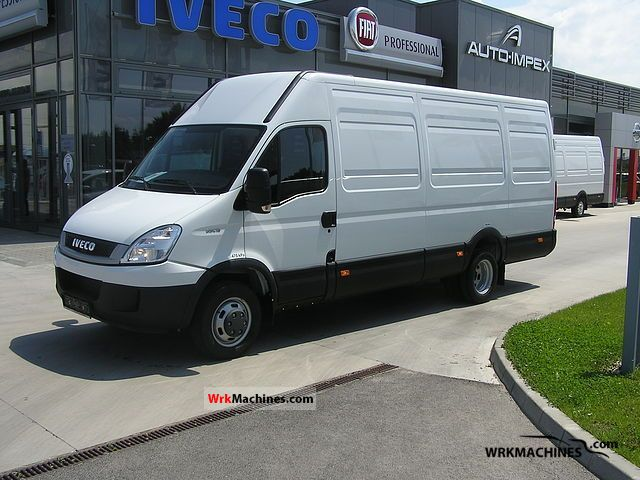 2011 IVECO Daily III 35C15 Van or truck up to 7.5t Box-type delivery van - long photo
