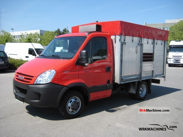 2009 IVECO Daily II 35 C 15 Van or truck up to 7.5t Cattle truck photo