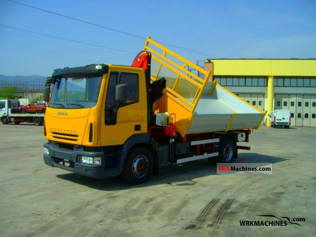 2002 IVECO EuroCargo 130 E 28 Truck over 7.5t Truck-mounted crane photo