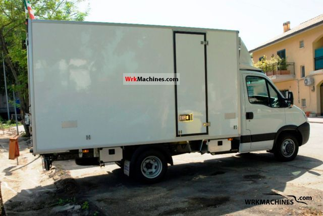 2011 IVECO Daily III 35C18 Van or truck up to 7.5t Refrigerator body photo