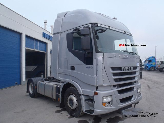 Tractor Trailer Units : Iveco stralis s standard tractor trailer unit