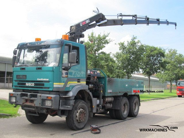 2001 IVECO EuroTrakker 260 E 37 Truck over 7.5t Truck-mounted crane photo