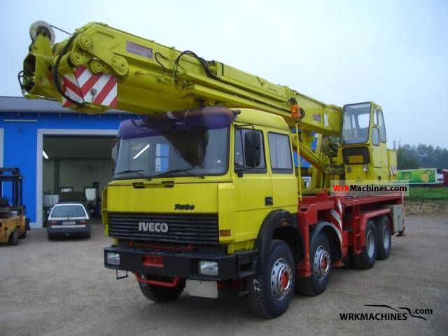 1991 IVECO P/PA 340-34 Truck over 7.5t Truck-mounted crane photo