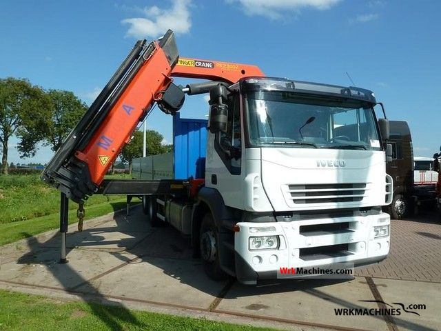 2007 IVECO Stralis 260S31 Truck over 7.5t Truck-mounted crane photo