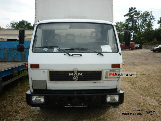 1989 MAN G 90 8.150 Van or truck up to 7.5t Stake body and tarpaulin photo