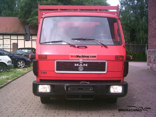 1990 MAN G 90 8.150 Van or truck up to 7.5t Stake body and tarpaulin photo