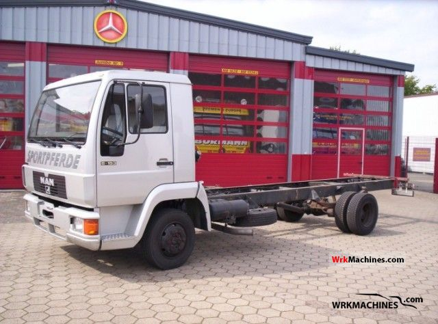 1994 MAN L 2000 8.153 Truck over 7.5t Chassis photo