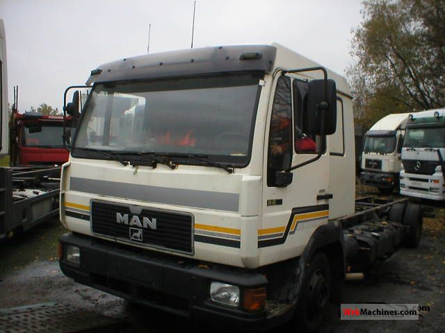 1994 MAN L 2000 8.223 Truck over 7.5t Chassis photo