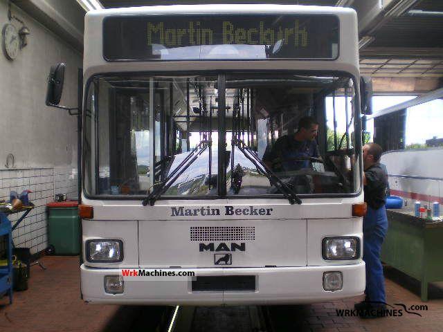 1991 MAN SL II SL 202 Coach Public service vehicle photo