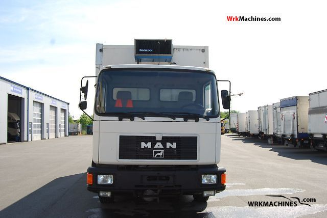 1994 MAN M 90 12.192 Truck over 7.5t Refrigerator body photo