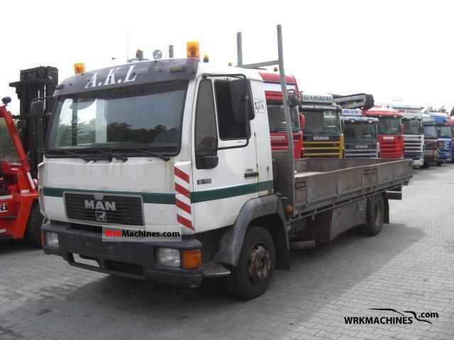 2001 MAN L 2000 8.113 Truck over 7.5t Stake body photo