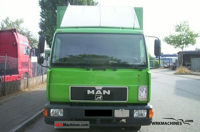 1995 MAN L 2000 8.153 Van or truck up to 7.5t Box photo