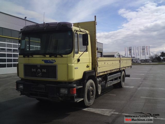 1992 MAN F 90 19.272 F Truck over 7.5t Stake body photo