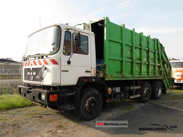 1993 MAN F 90 26.272 Truck over 7.5t Refuse truck photo