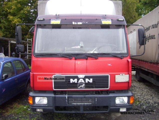1994 MAN L 2000 8.224 Van or truck up to 7.5t Stake body and tarpaulin photo