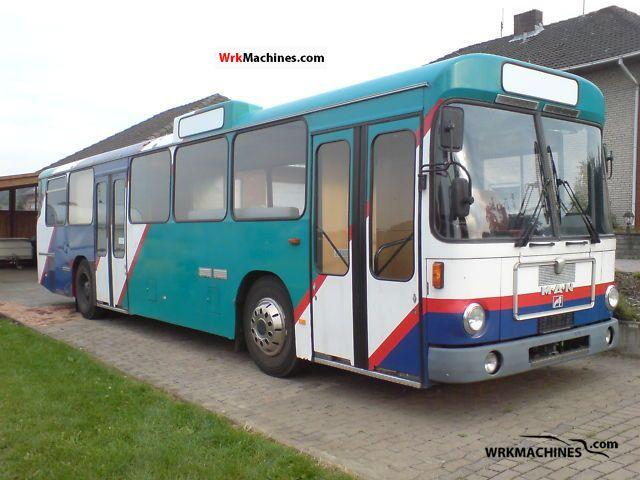 1985 MAN SD 200 Coach Public service vehicle photo