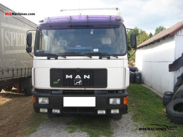 1994 MAN F 90 19.372 FLS Semi-trailer truck Standard tractor/trailer unit photo