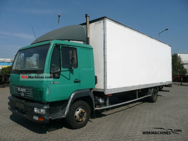 2002 MAN L 2000 12.225 Truck over 7.5t Box photo