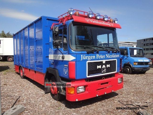 1994 MAN M 90 12.192 Truck over 7.5t Horses photo