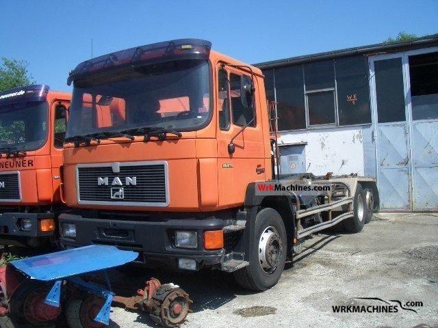 1992 MAN F 90 26.272 Truck over 7.5t Roll-off tipper photo