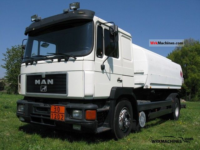 1995 MAN F 90 19.342 Truck over 7.5t Tank truck photo