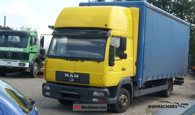 2003 MAN L 2000 220 Truck over 7.5t Stake body and tarpaulin photo