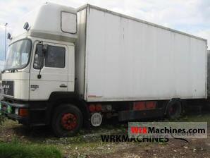 1993 MAN F 90 19.372 Truck over 7.5t Box photo
