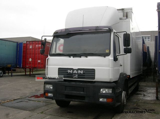 2001 MAN L 2000 8.220 Truck over 7.5t Refrigerator body photo