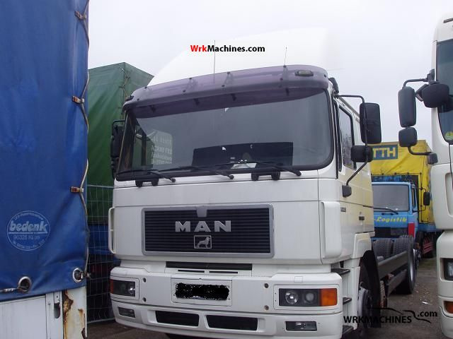 1995 MAN F 2000 26.463 Truck over 7.5t Chassis photo