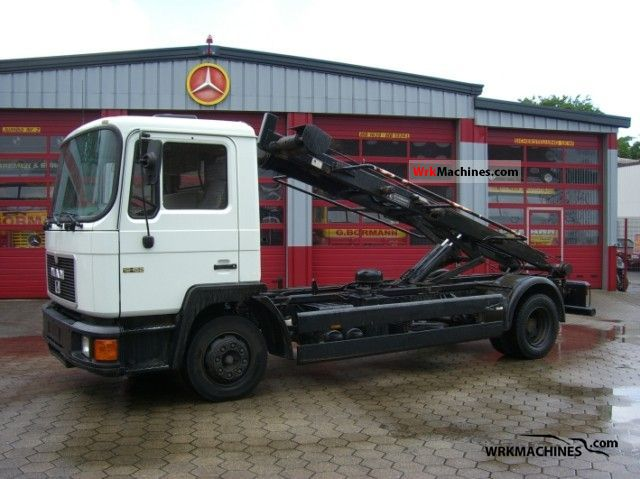 1992 MAN M 90 12.152 Truck over 7.5t Swap chassis photo
