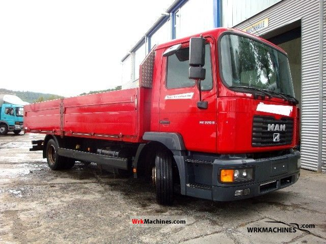2002 MAN L 2000 220 Truck over 7.5t Stake body photo